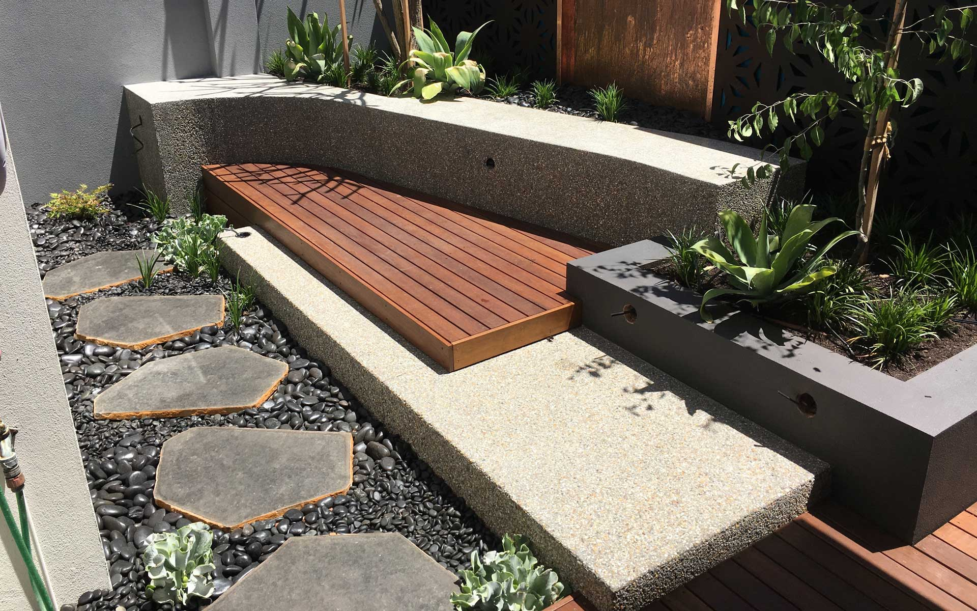 Exposed Aggregate Feature Wall - North Perth